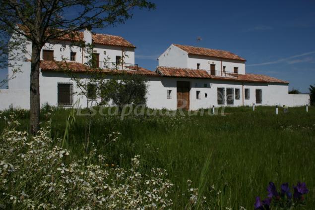 Huerta caba eros casa rural en el robledo ciudad real - Casa rural cabaneros ...
