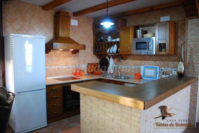 Foto di casa rural tablas de daimiel casa rural en for Cocinas rurales
