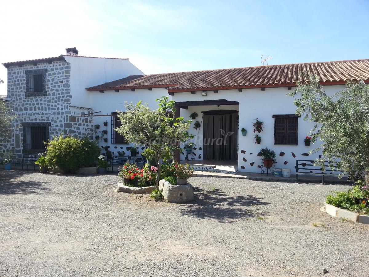 Fotos de casas rurales ramos casa rural en villanueva del duque c rdoba - Casa rural villanueva del conde ...