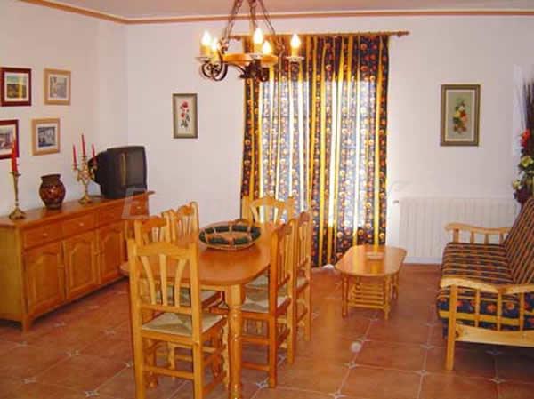 Fotos de alojamientos rurales el castillo casa rural en cardenete cuenca - Casa rural el castillo ...