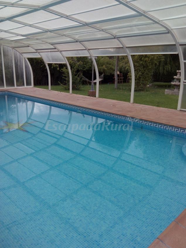 Chalet vacacional el sotillo casa rural en cuenca cuenca for Casa rural con piscina cubierta