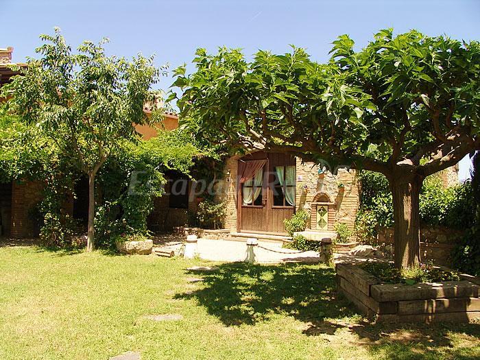 Fotos de mas pauli casa rural en capmany girona - Mas trobat casa rural ...