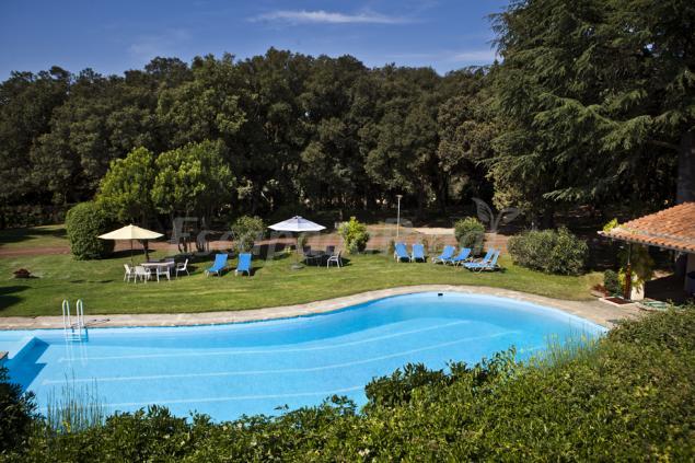 Mas jonquer casa rural en vilanant girona for Casa rural girona piscina