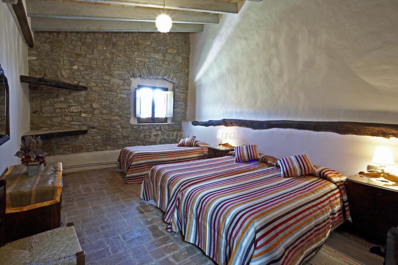 Fotos de can soler casa rural en porqueres girona - Can caponet casa rural ...