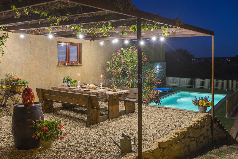 Fotos de can nentia casa rural en fonteta girona for Casa rural girona piscina