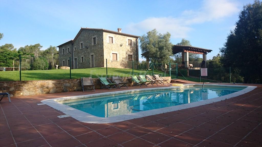 Fotos de mas solaric casa rural en porqueres girona for Casa rural girona piscina