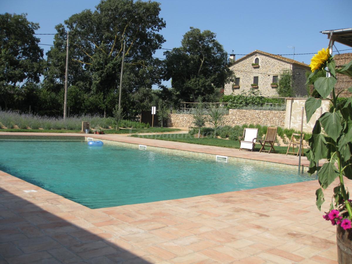 Fotos de mas vermell casa rural en fontanilles girona for Casa rural girona piscina