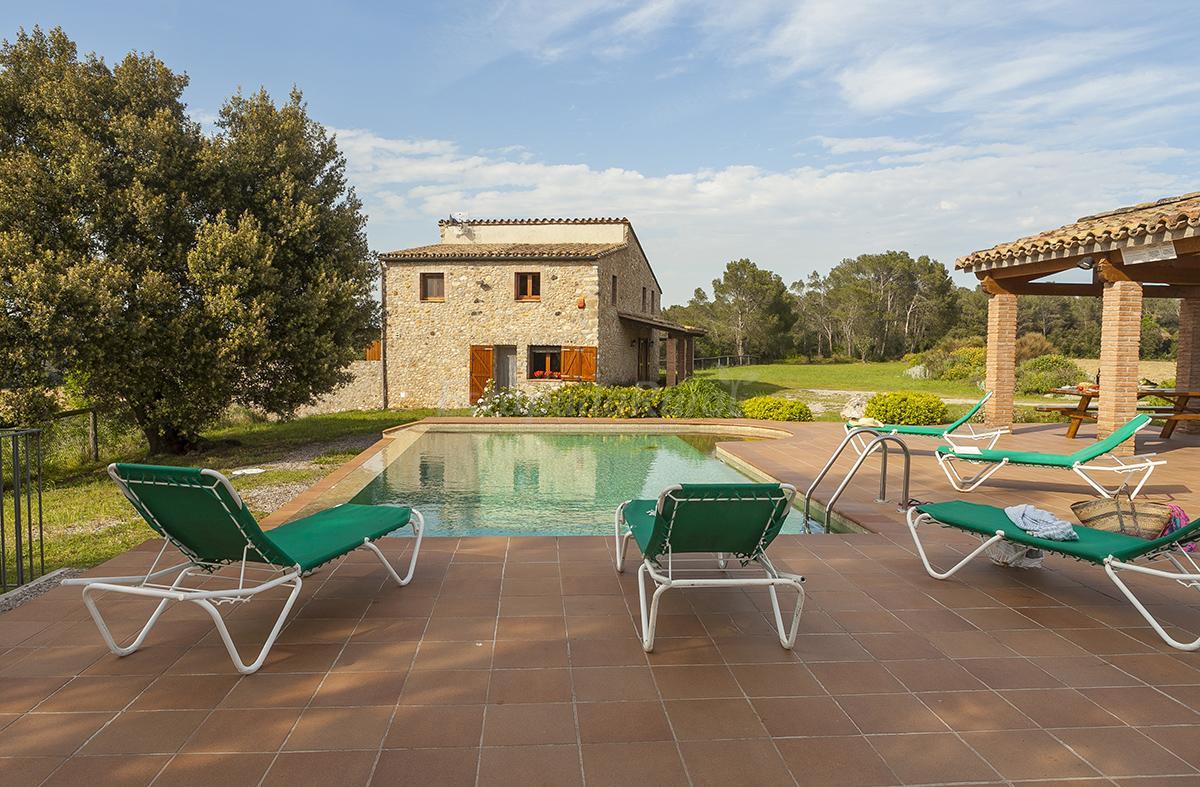 Fotos de el casalot casa rural en espinavessa girona for Casa rural girona piscina