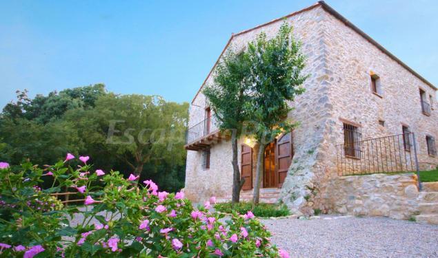 El mirador y el bosquer casa rural a les planes d 39 hostoles girona - Casa lloguer girona ...