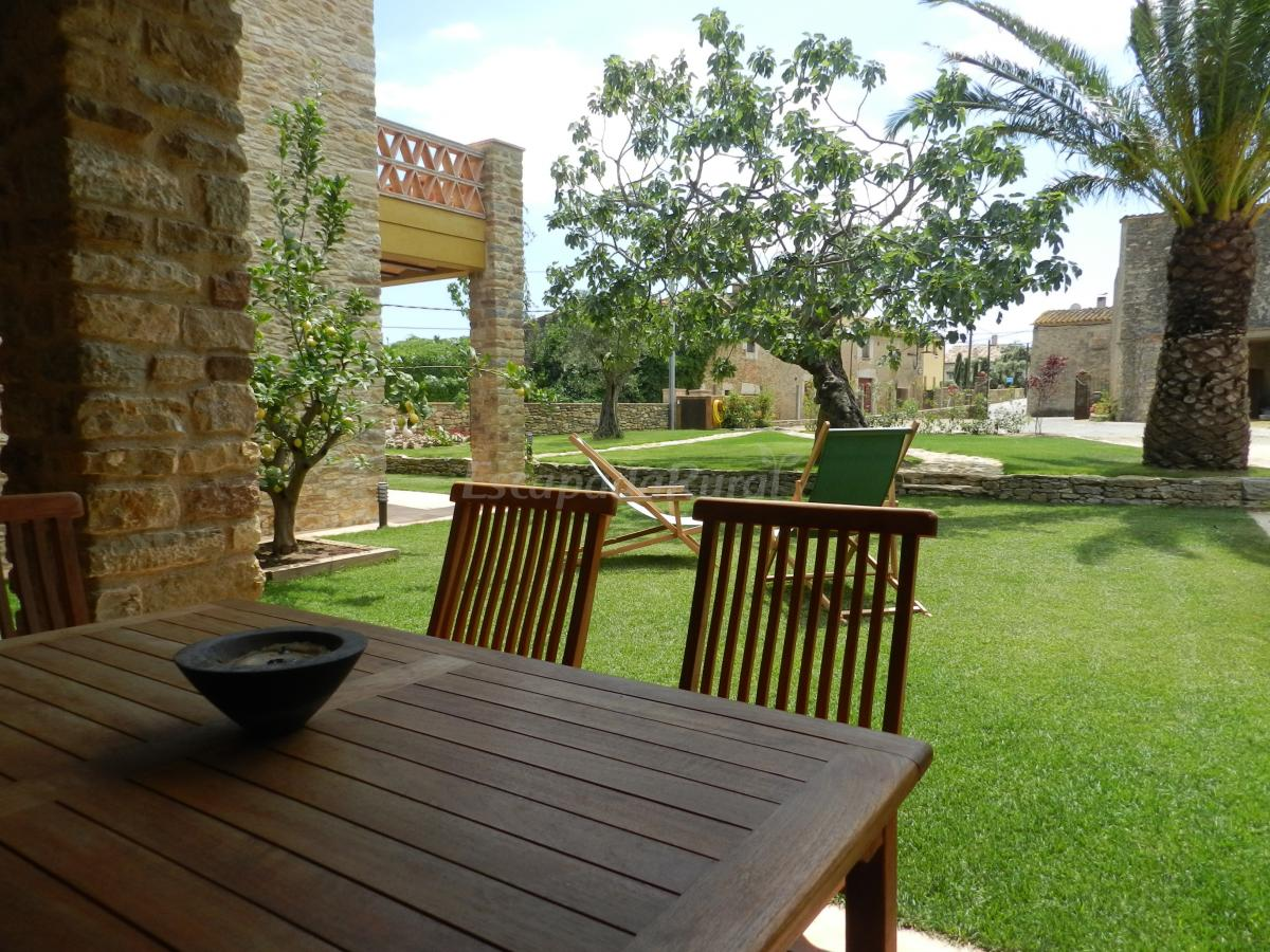 Fotos de can ginesta casa rural en sant feliu de boada - Can caponet casa rural ...