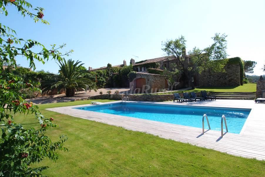Fotos de mas mauri casa rural en begur girona for Casa rural girona piscina