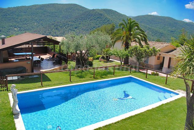 El solei casa rural en pujarnol girona for Casa rural girona piscina