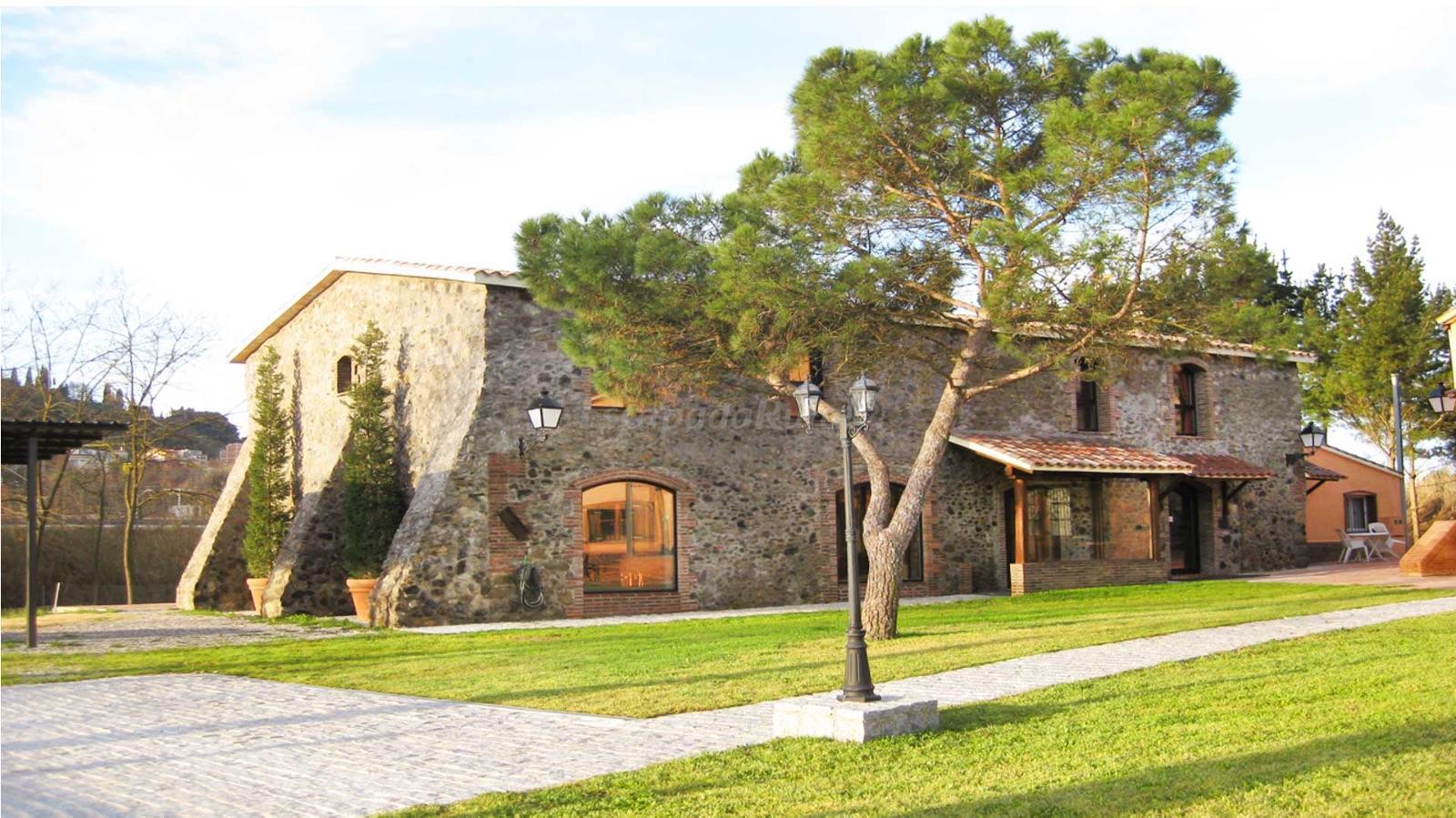 Fotos de mas caputxa casa rural en hostalric girona - Mas trobat casa rural ...