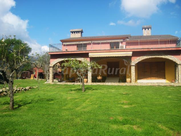 Casa reposo alma del montseny casa rural a breda girona for Casa rural montseny