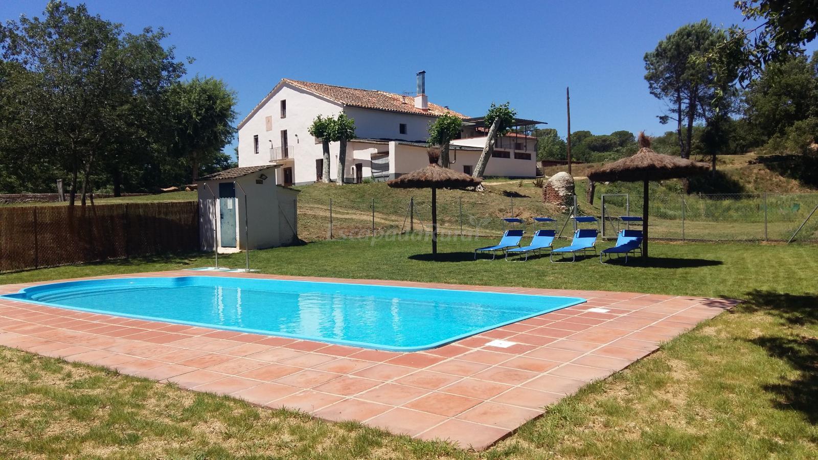 Fotos de la casa nova casa rural en riudarenes girona for Casa rural girona piscina