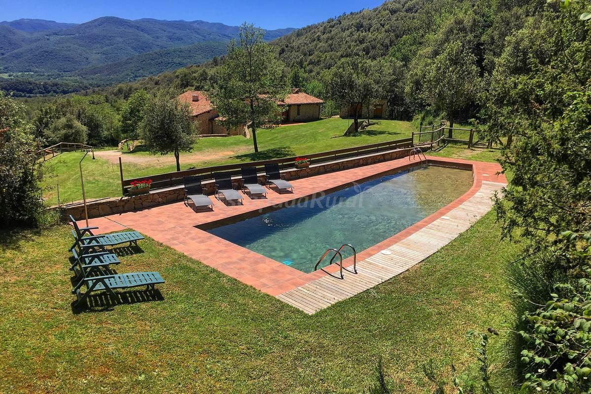 Fotos de la coma d 39 en roca casa rural en la vall de for Casa rural girona piscina
