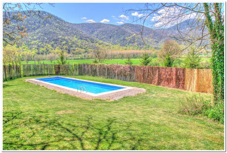 Fotos de masia lacoro casa rural en la vall de bianya for Casa rural girona piscina