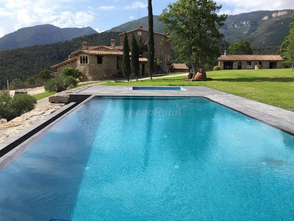 Fotos de can homs casa rural en beuda girona for Casa rural girona piscina