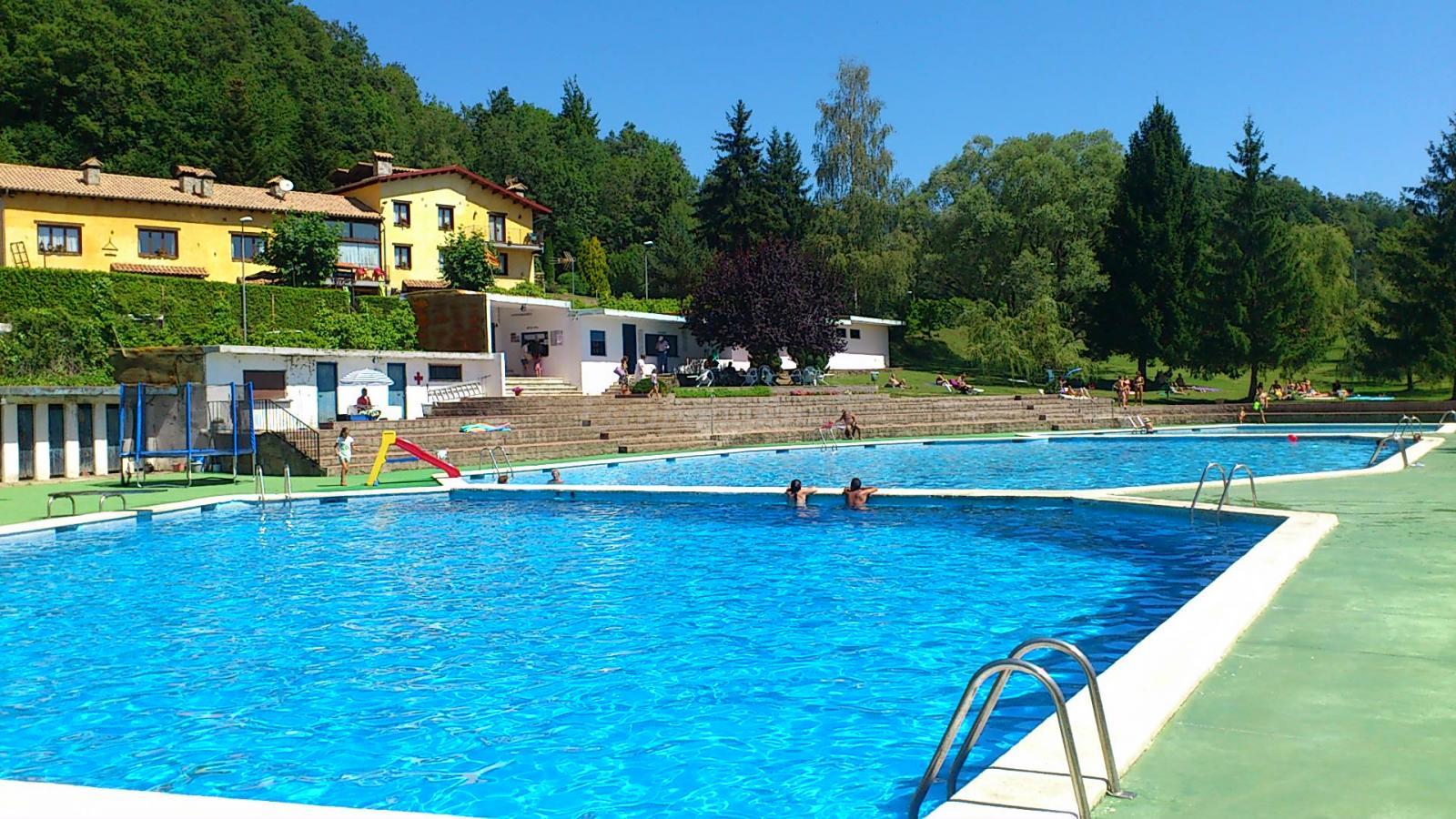 Fotos de ca l 39 avet casa rural en camprodon girona for Casa rural girona piscina