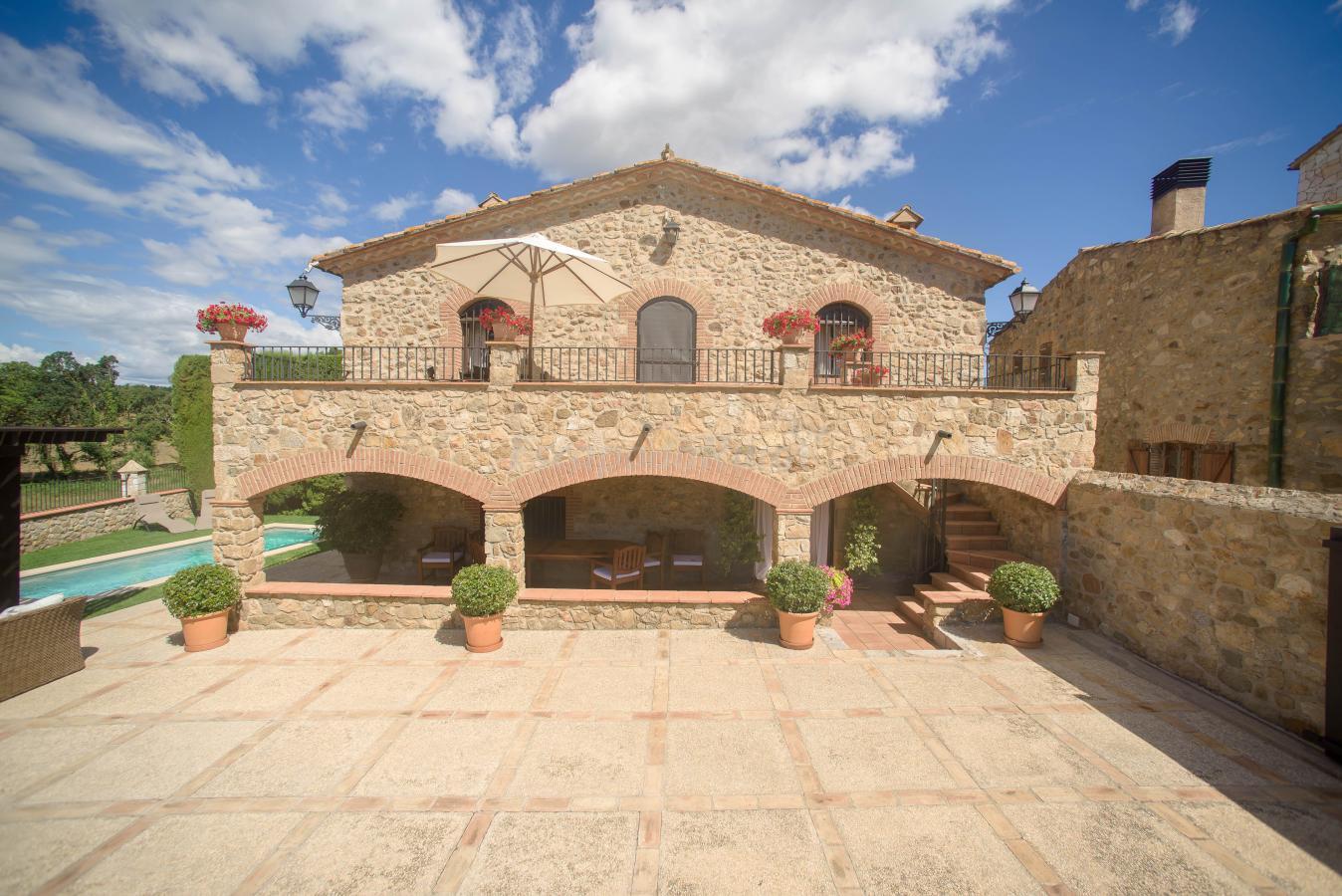 Fotos de cal bisbe casa rural en capmany girona - Casas rurales e ...