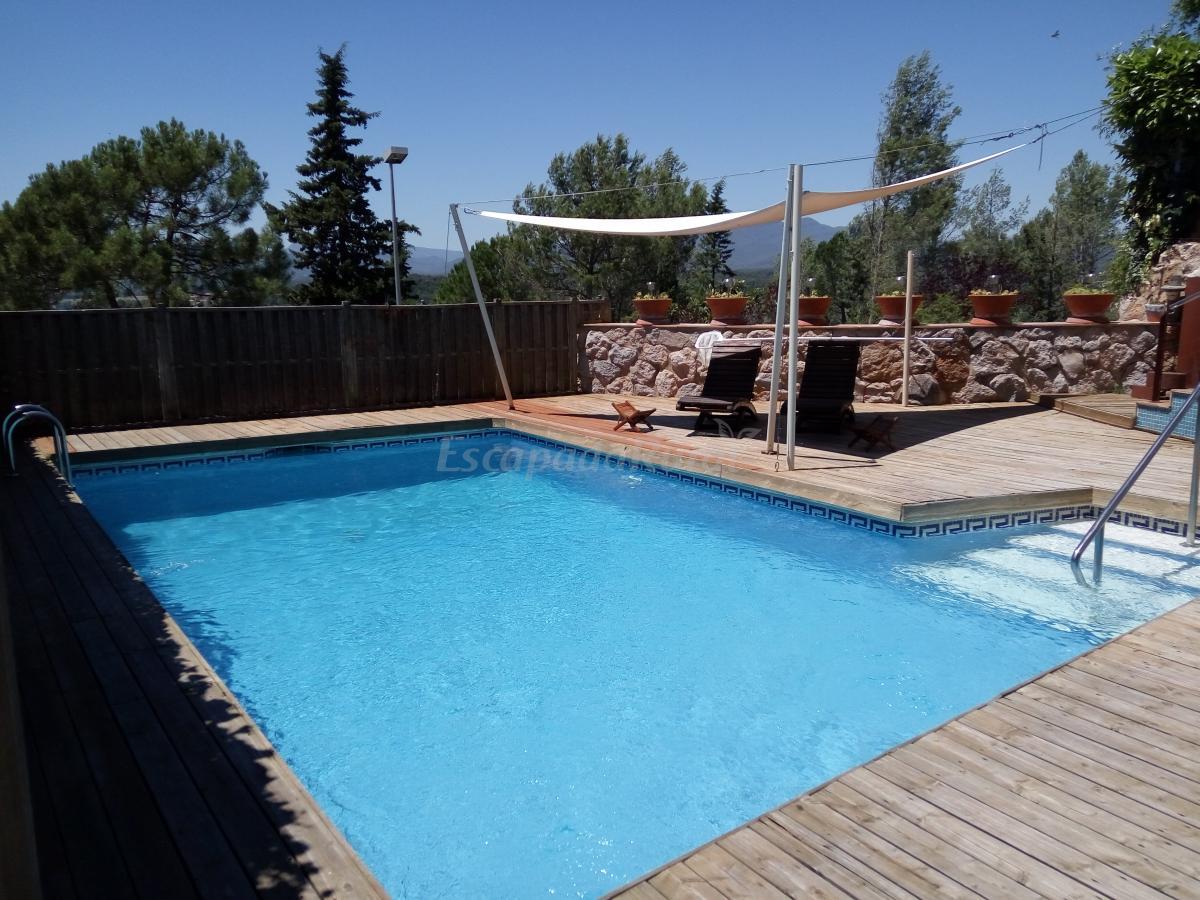 Fotos de la magrana casa rural en girona girona for Casa rural girona piscina