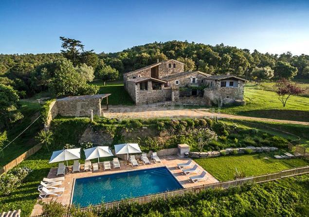Estanyol rural mas grau casa de campo bescan girona for Casa rural girona piscina