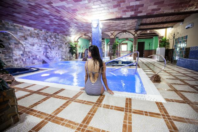 Alojamientos rurales benarum casa rural en alpujarra de for Hoteles en granada con piscina climatizada