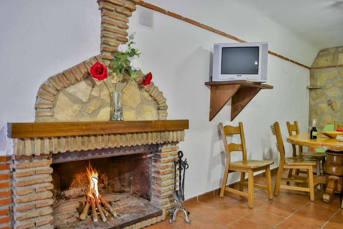 Fotos de cuevas cortijo el moral casa rural en castill jar granada - Casas cueva granada jacuzzi ...