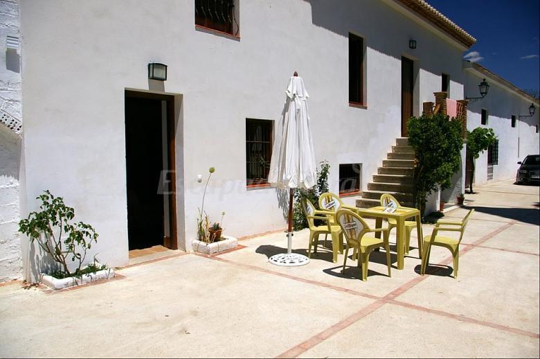 Fotos de cortijo los parrales casa rural en valderrubio granada - Casa rural los parrales ...