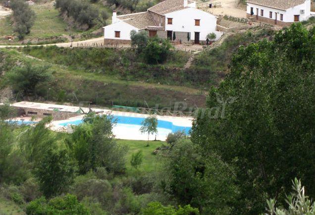 Fotos de cortijo el plant o casa rural en castril granada for Piscina municipal la chana granada