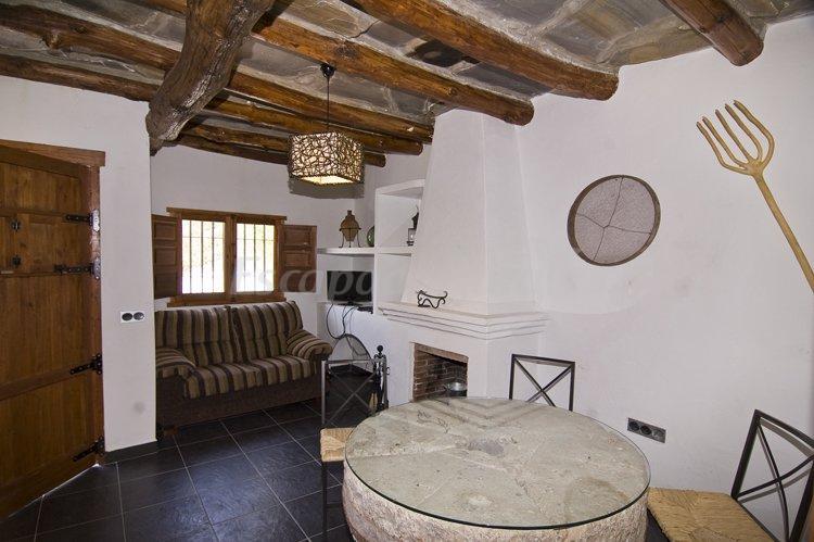 Fotos de casas r o de golco casa rural en mecina - Como decorar una casa rural ...