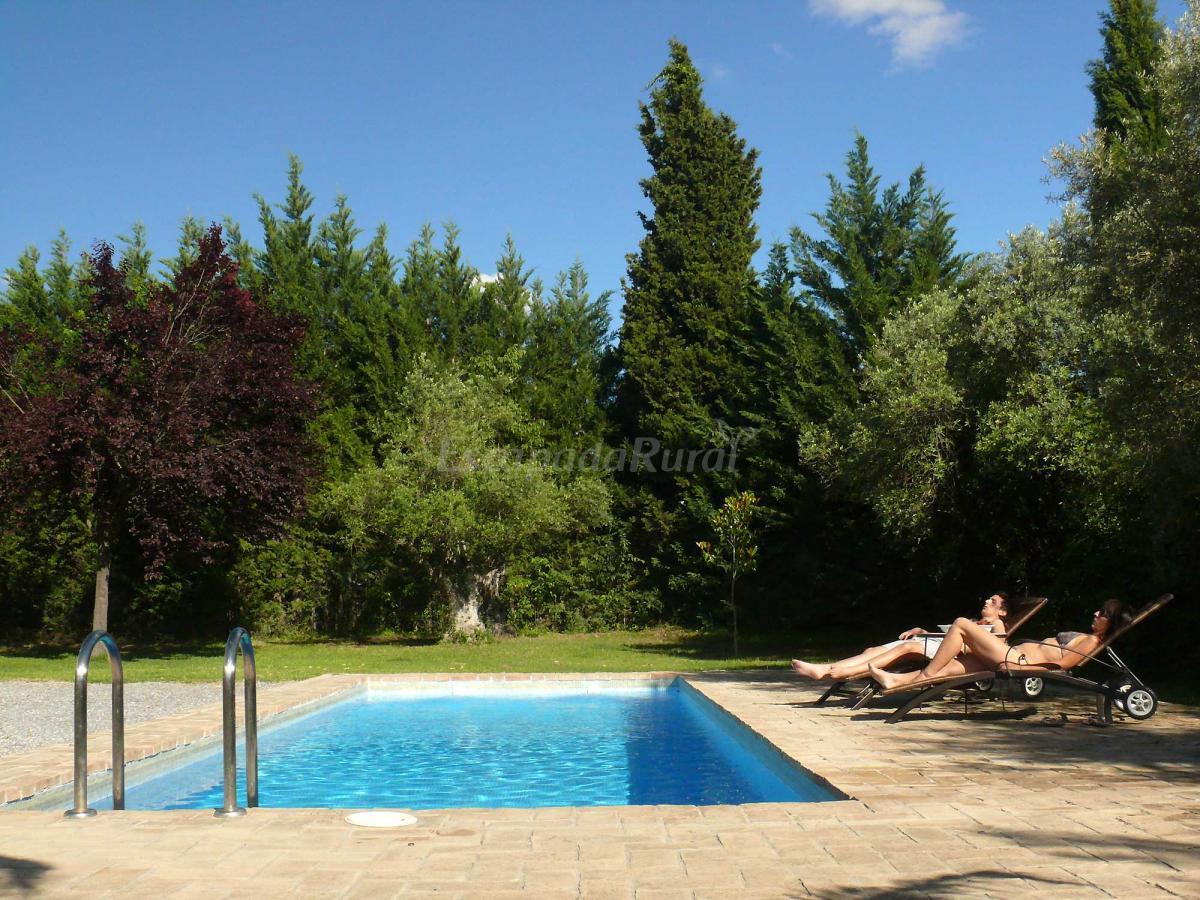 Fotos de cortijo algabia casa rural en alhend n granada for Piscina publica alhendin granada