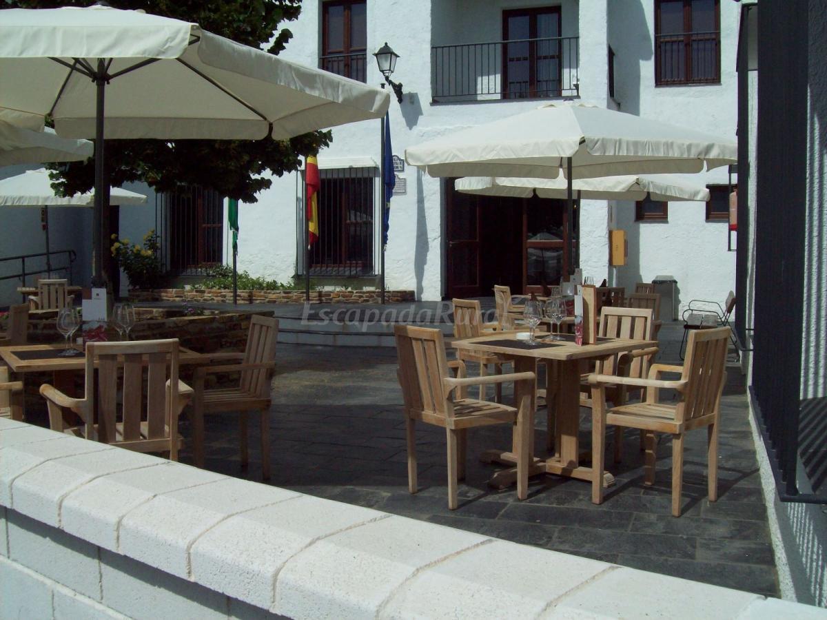 Fotos de hotel villa de bubi n casa rural en bubi n for Villas de granada