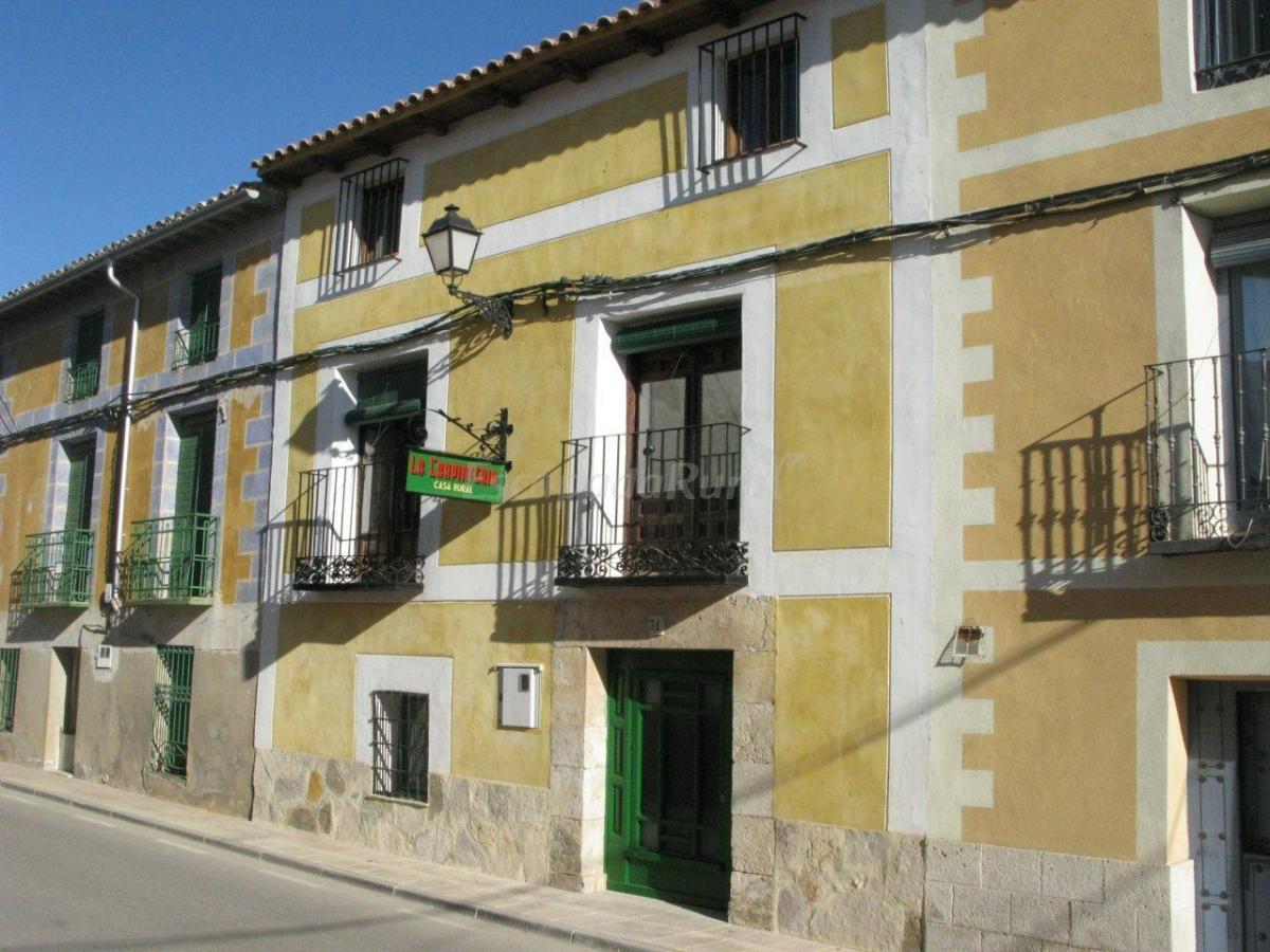 Fotos de la carpinteria casa rural en romanones - Carpinteria casas ...