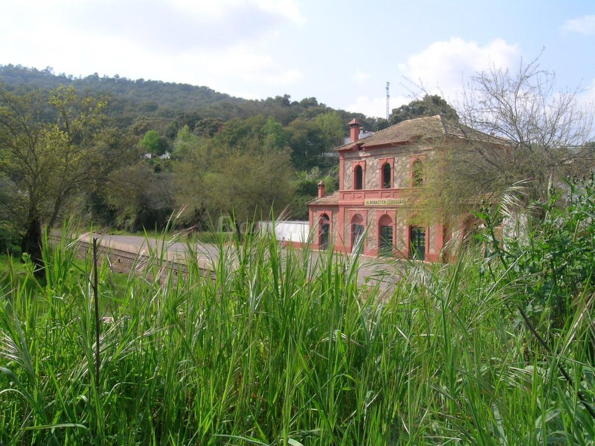 Fotos de casas rurales antigua estaci n casa rural en almonaster la real huelva - Casas rurales huelva para 2 personas ...