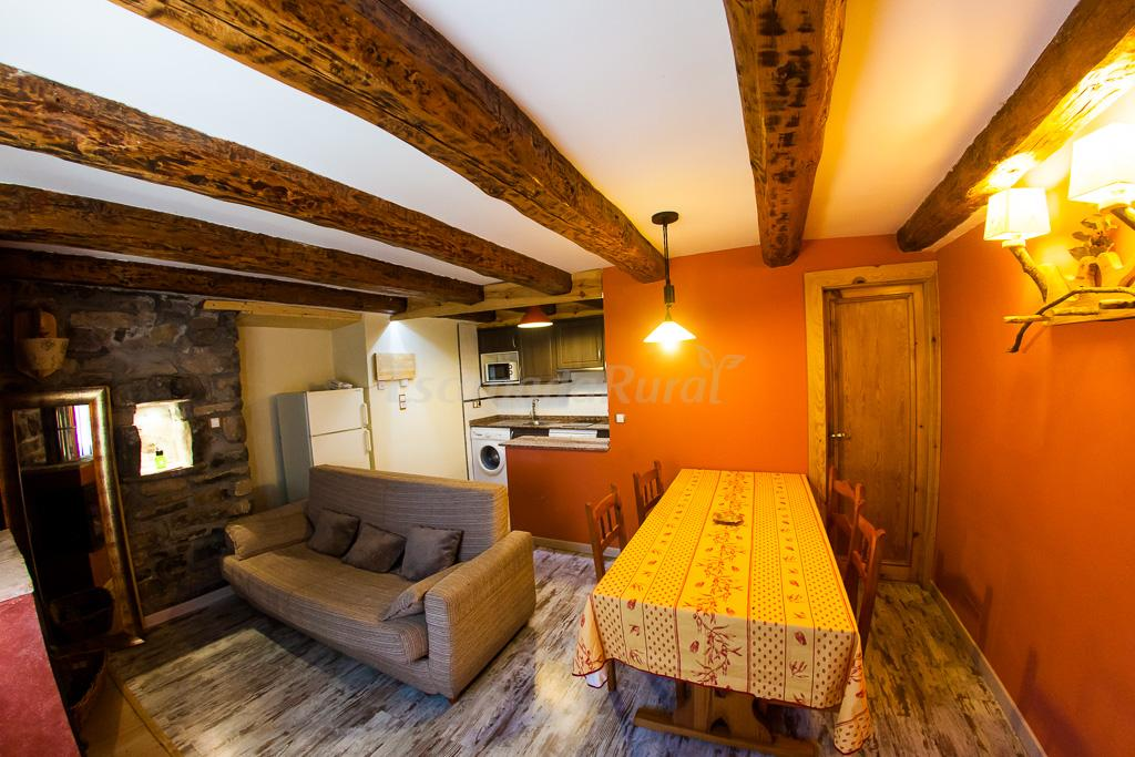 Fotos de balc n del pirineo rural de ordesa casa rural - Casas del pirineo ...