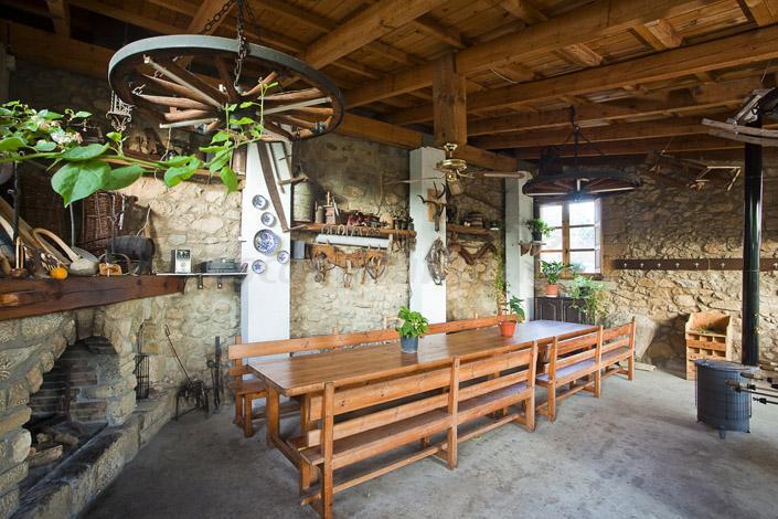 Fotos de casa roseta casa rural en riglos huesca for Imagenes de porches de casas