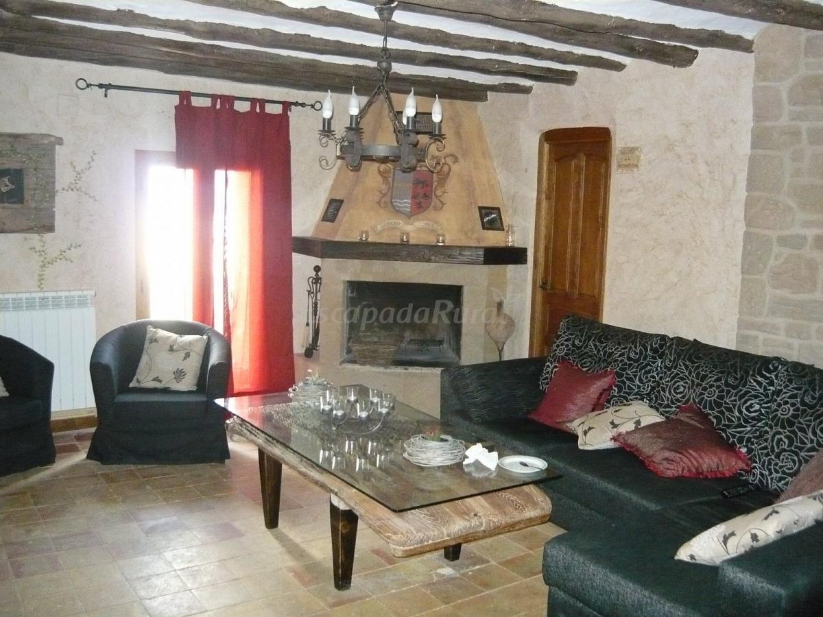 Fotos de atalaya casa rural en santa eulalia la mayor - Chimeneas santaeulalia ...