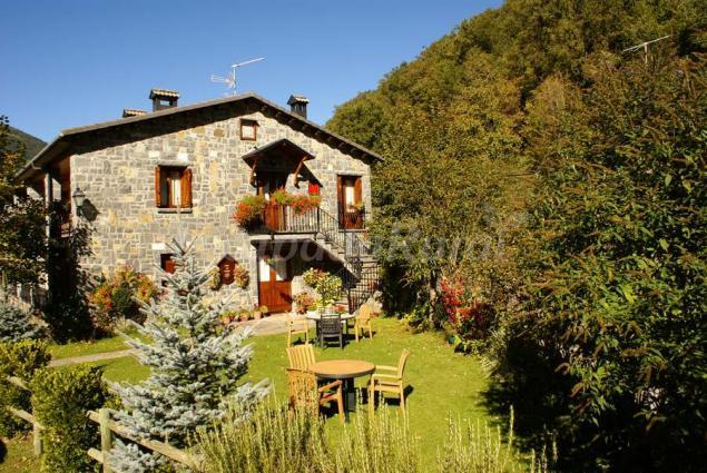 Casa mart n ordesa pirineos casa rural en sarvis huesca - Casas rurales en los pirineos catalanes ...