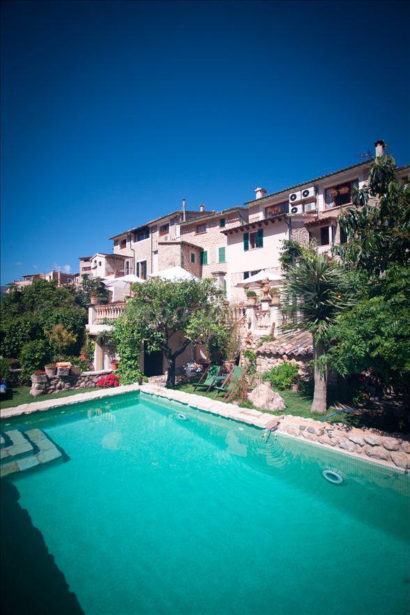 Hotel rural ca 39 n reus casa rural en fornalutx islas baleares - Casa rural reus ...