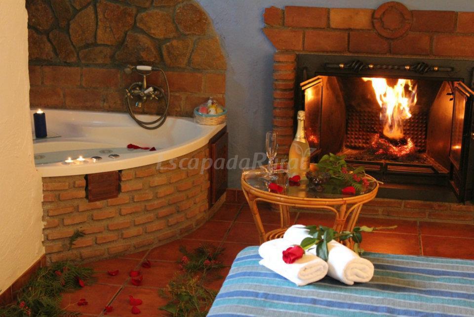 Fotos de casas cueva cazorla suite casa rural en - Casas rurales granada jacuzzi ...
