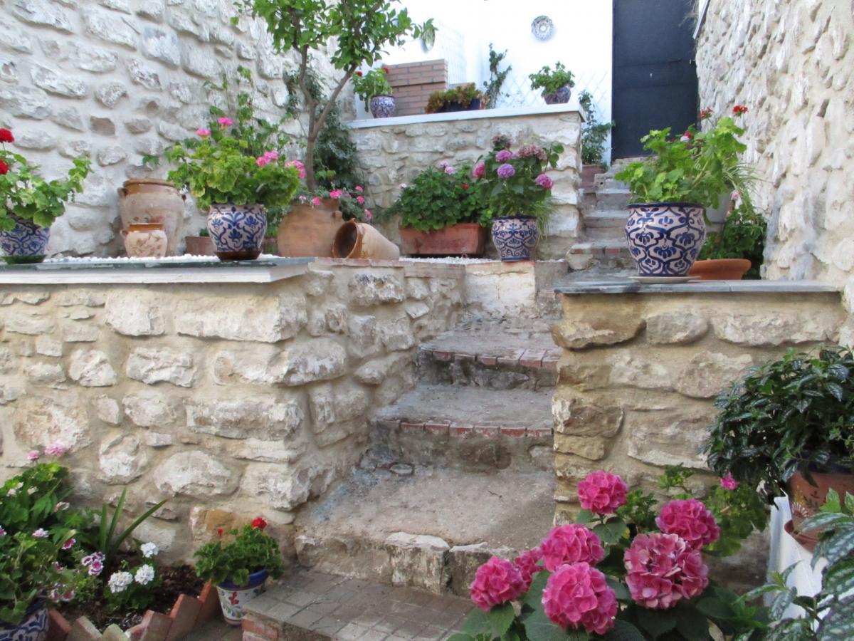 Fotos de la casa del patio de piedra casa rural en for Patios de piedra