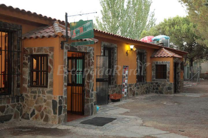 Fotos de bungalows camping despe aperros casa rural en - Casa rural santa elena ...