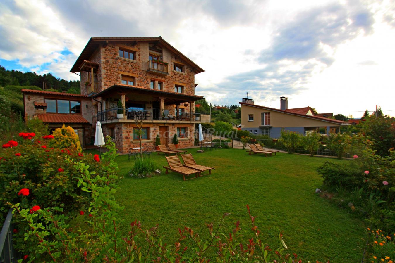 Fotos de casa el olmo casa rural en el rasillo de - Casas prefabricadas la rioja ...