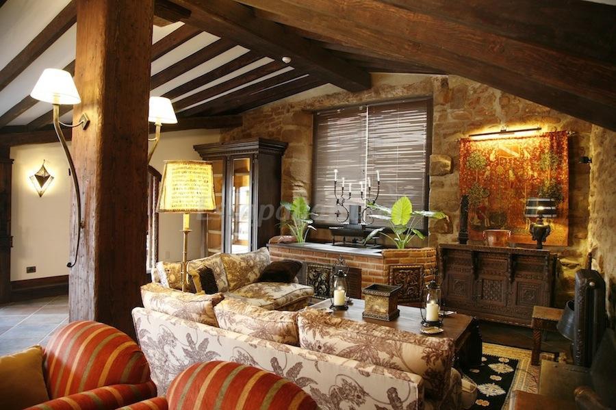 Fotos de hotel real casona de las amas casa rural en for Hotel diseno la rioja