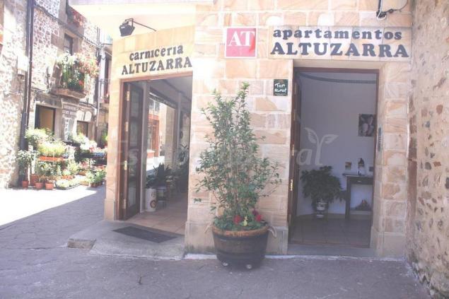 Apartamentos rurales altuzarra casa rural en ezcaray la rioja - Casa rural ezcaray ...