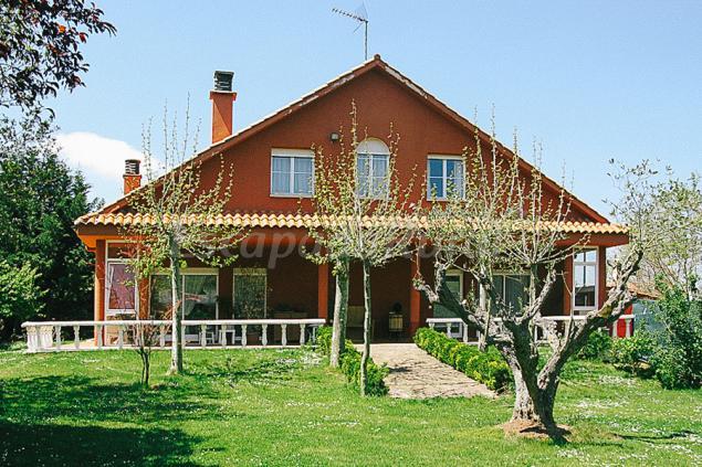 Casa larrate casa rural en hornos de moncalvillo la rioja - Hornos para casa ...