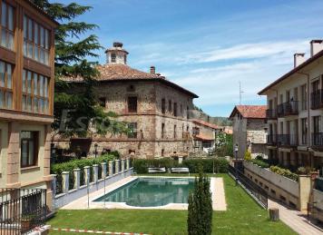 Apartamentos palacio azc rate casa rural en ezcaray la rioja - Casa rural ezcaray ...