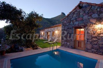 Casa tamadaba casa rural en agaete las palmas for Piscinas agaete