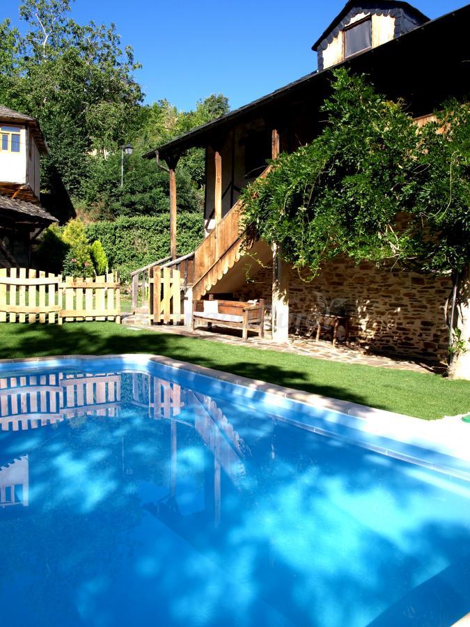 Fotos de casa de cuento la mallada casa rural en for Piscinas ponferrada